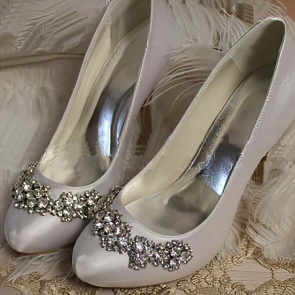 Women's Leatherette with Crystal Stiletto Heel Pumps Closed Toe