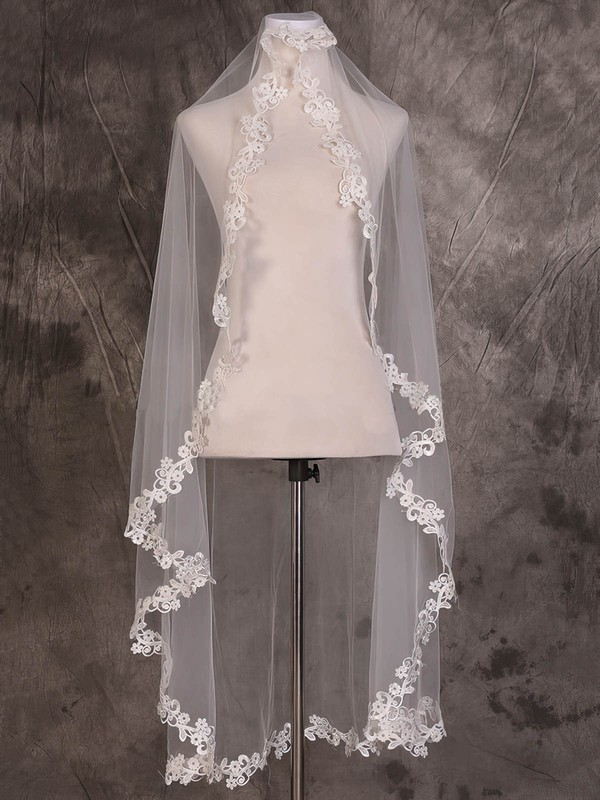 One-tier Ivory Waltz Bridal Veils with Applique #LDB03010069