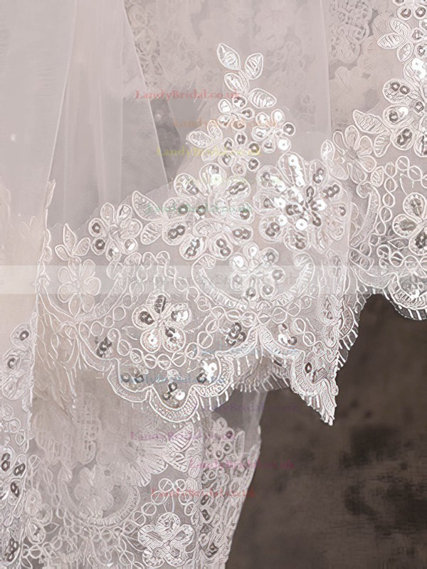 One-tier Ivory Cathedral Bridal Veils with Sequin/Applique