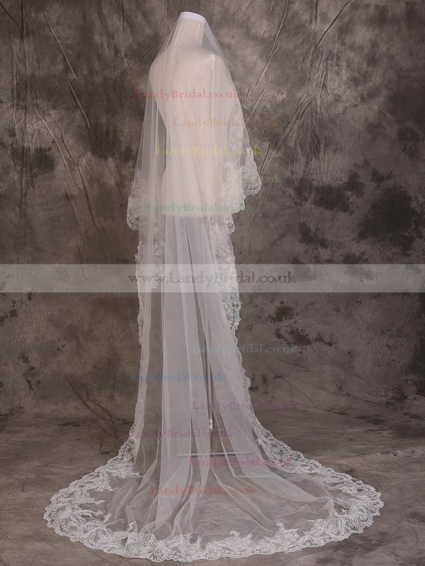 One-tier Ivory Cathedral Bridal Veils with Lace