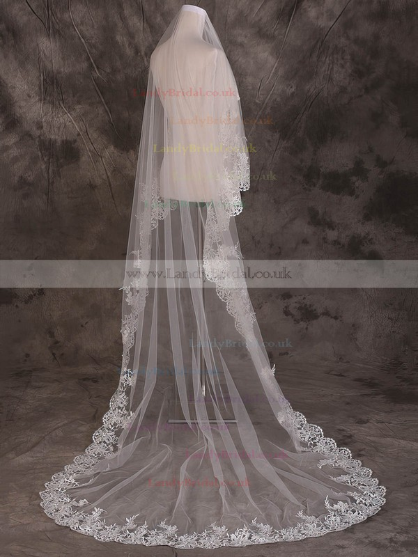 One-tier Ivory Cathedral Bridal Veils with Applique