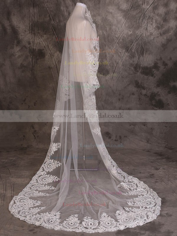 One-tier Ivory Chapel Bridal Veils with Applique