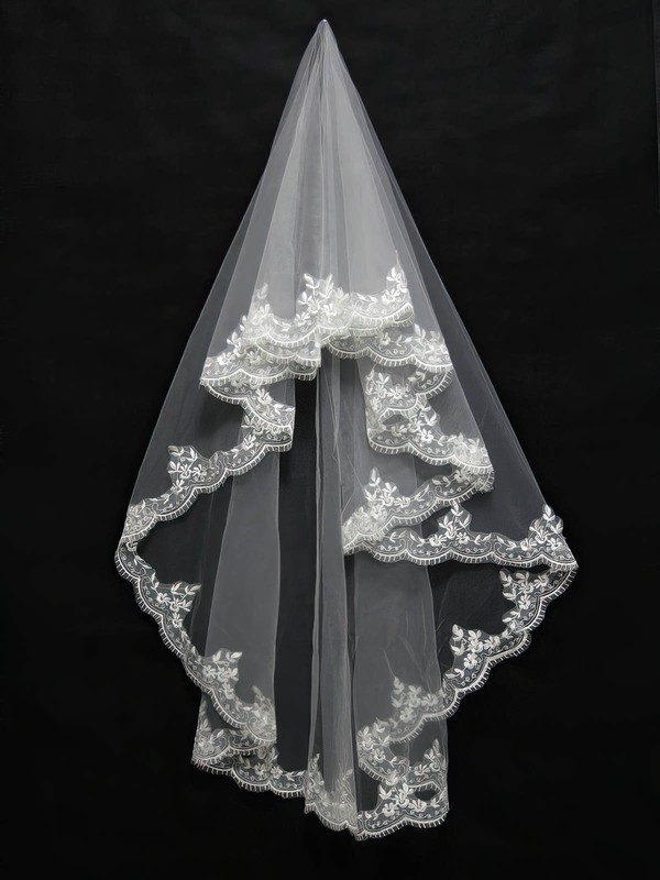 One-tier White/Ivory Elbow Bridal Veils with Applique