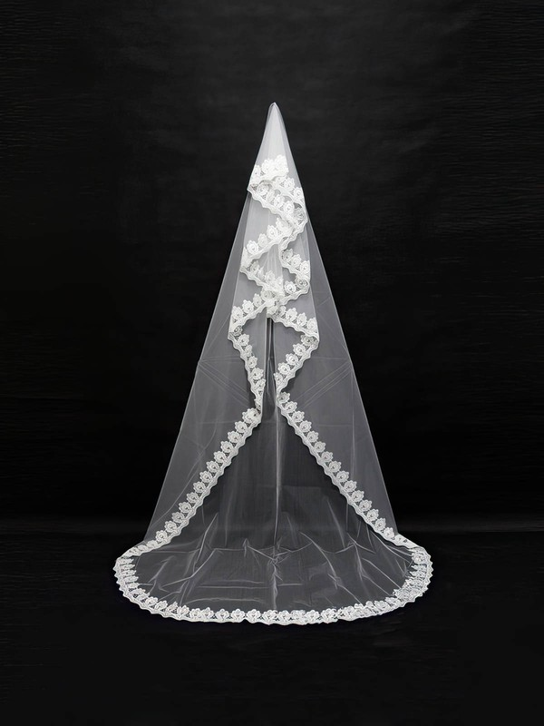 One-tier White/Ivory Chapel Bridal Veils with Lace
