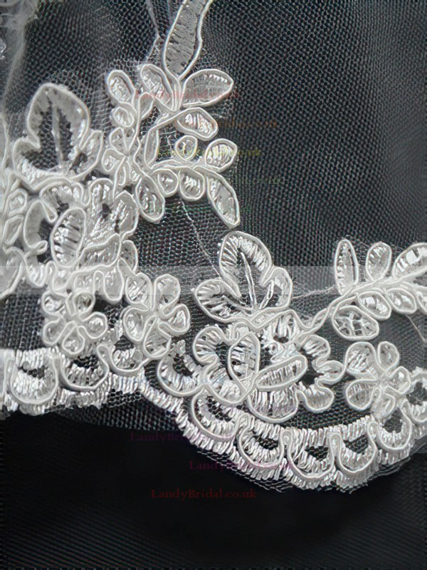 One-tier Ivory/White Elbow Bridal Veils with Applique