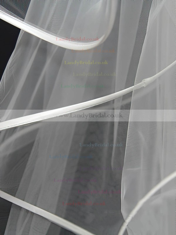 Four-tier White Fingertip Bridal Veils with Bone Binding