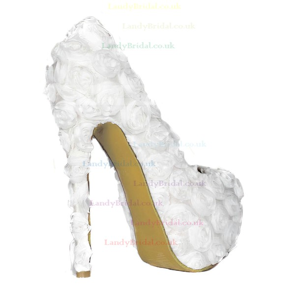 Women's White Lace Pumps with Flower