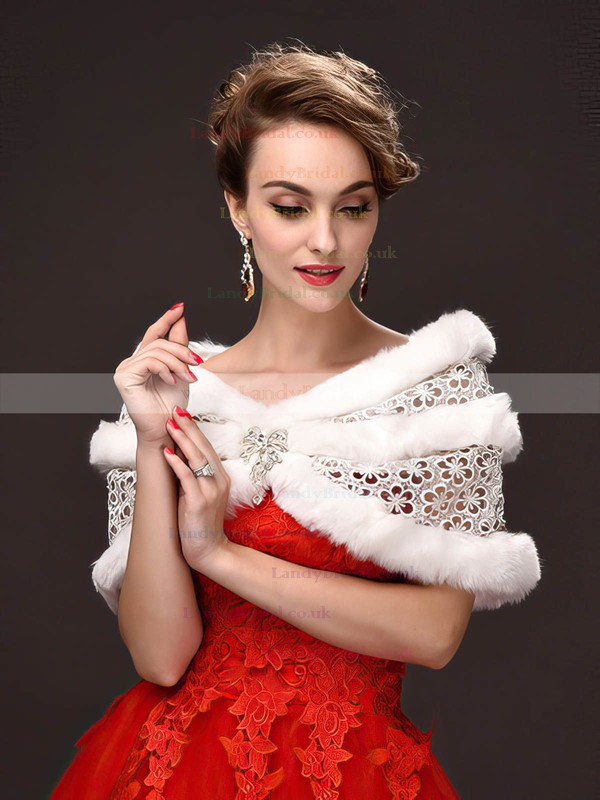 Faux Fur Off-the-Shoulder Sleeveless Shawl with Lace/Beading