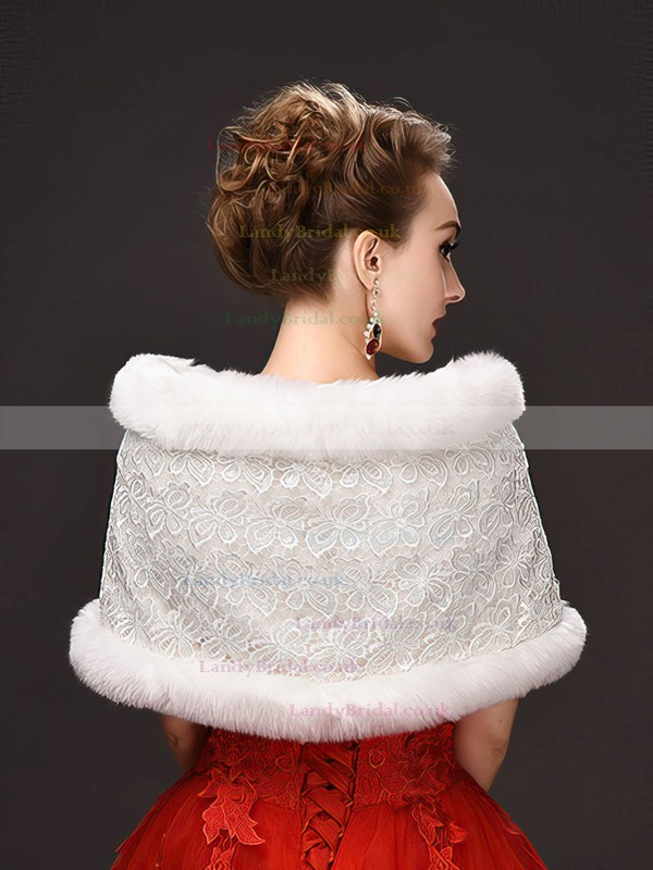 Lace/Faux Fur Sleeveless Shawl with Lace
