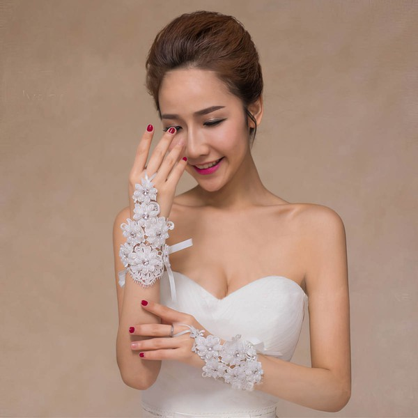 Ivory Lace Wrist Length Gloves with Rhinestone/Lace