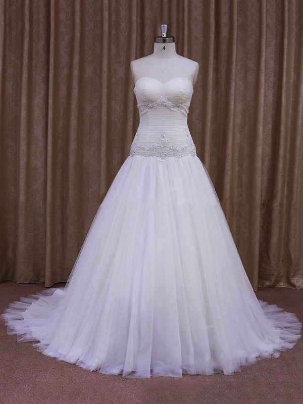 Beautiful Sweetheart Ivory Tulle with Appliques Lace Chapel Train Wedding Dress #LDB00021846