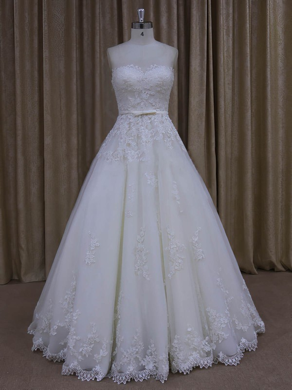 Sweetheart Appliques Lace Floor-length Ivory Tulle Fashion Wedding Dresses #LDB00022045